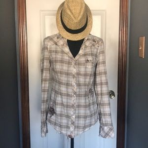 💰SALE💰Like New🌼Guess Jeans Plaid Button Up Top